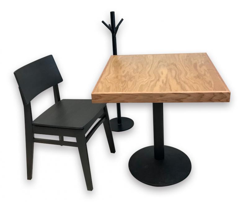 mesas para restaurantes de madera de encino natural silla madera color chocolate carpinteria interiorismo cafeterias y bares