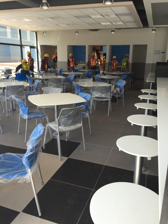 mesas para comedores empresa en superficie solida facil limpieza