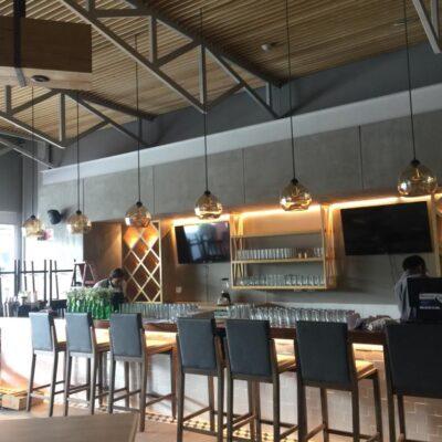 mobiliario-para-restaurante-banco-barra-cafe-trasero